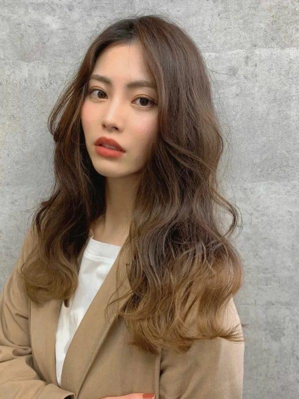 大人かっこいい♡人気の韓国風ロングヘア