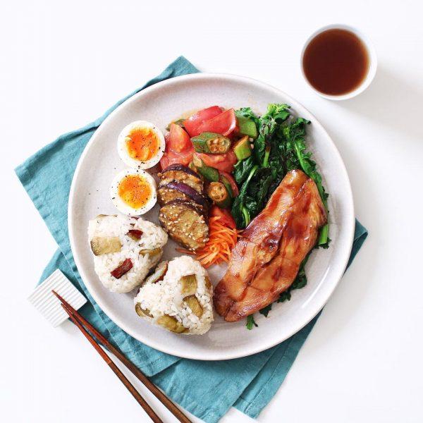 カラフル野菜の付け合わせの炒め物