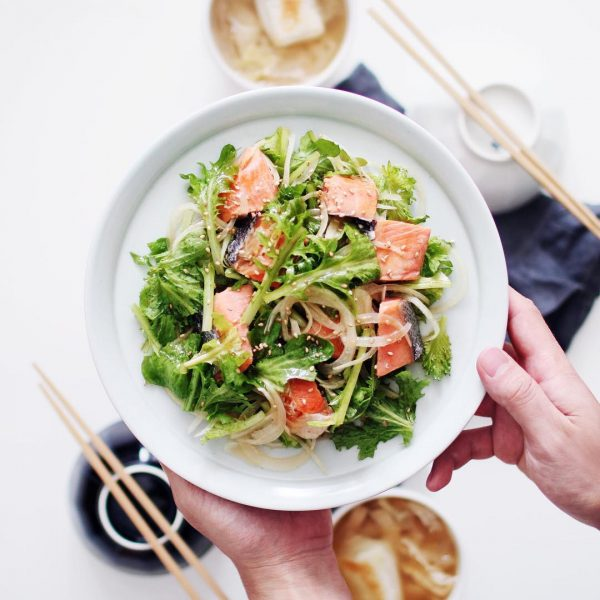 一人暮らしのおかずサラダに!焼鮭サラダ