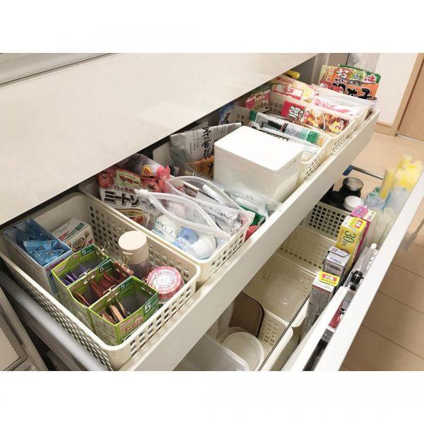 オープンキッチン 収納実例 調味料2