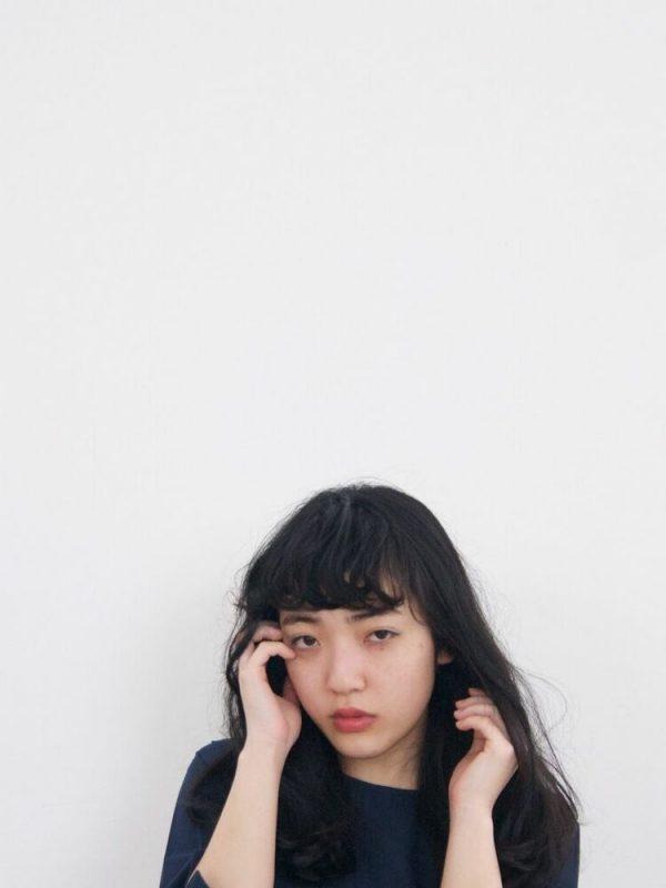 黒髪ロング ストレート 前髪アレンジ3