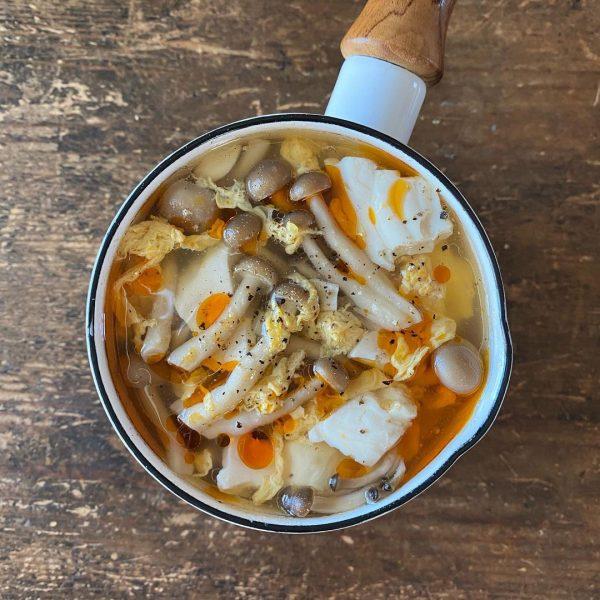 おすすめレシピ♪豆腐としめじの中華風スープ
