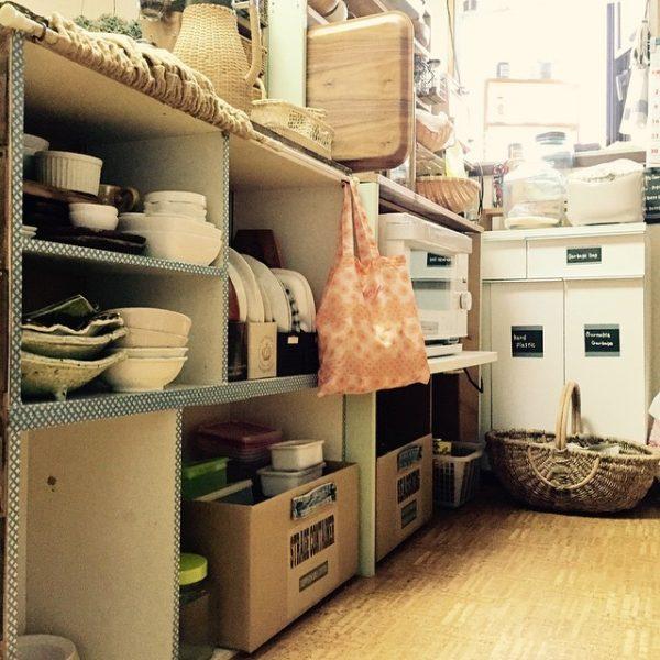 キッチン内に置く便利な収納