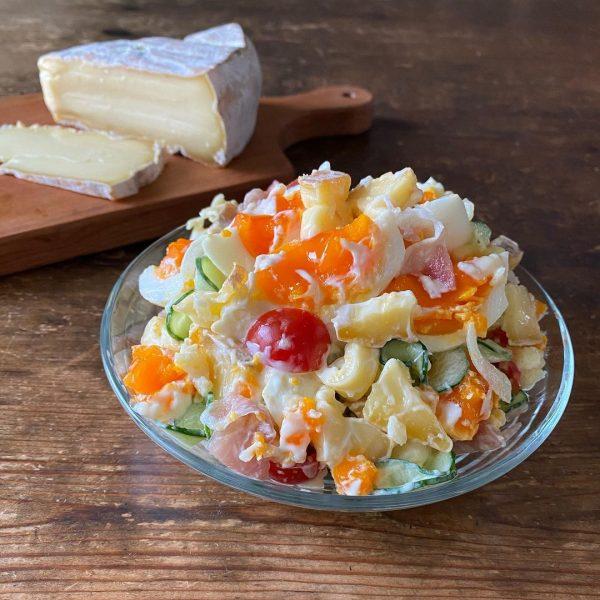 半熟卵とチーズが美味しいポテトサラダ