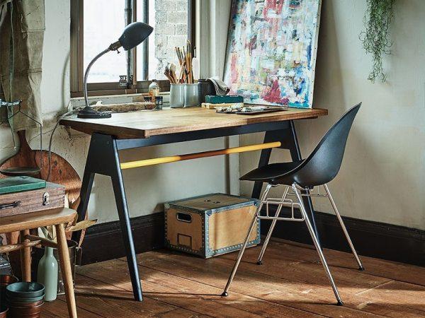 モダンな家具で作るワークスペース