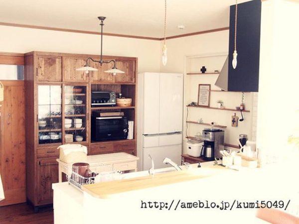 キッチンカウンターの背面に置くレイアウト