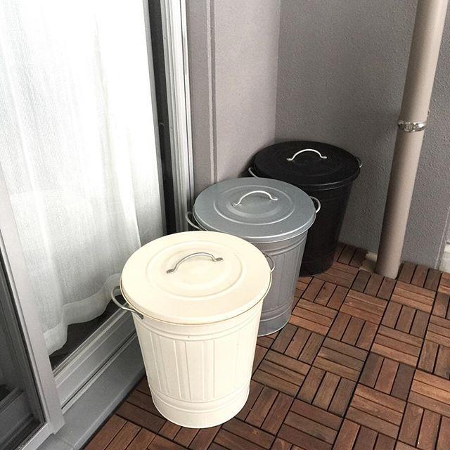 ベランダにゴミ箱置き場を配置したアイデア