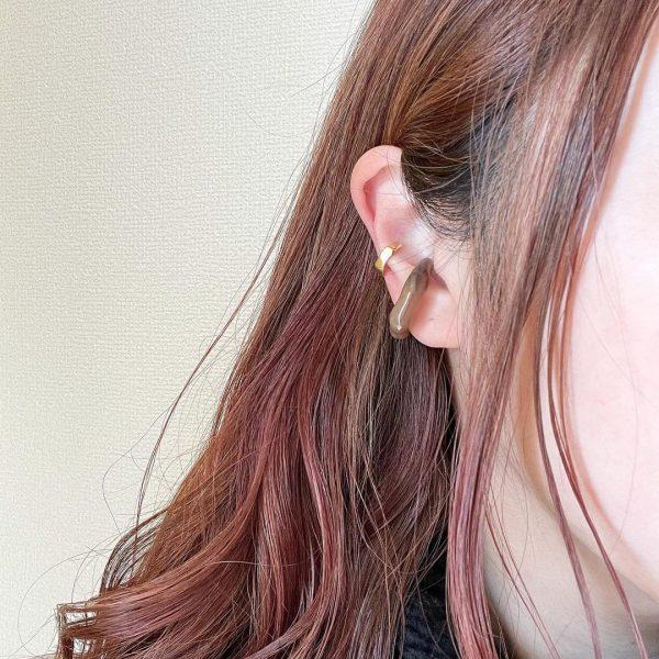 イヤリングのように耳たぶが痛くならないのも嬉しいポイント