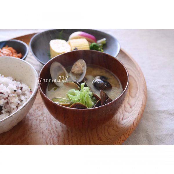 和食献立のスープレシピ♪しじみの味噌汁