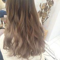 《ブルベ冬》に似合う明るめ髪色16選!顔色が映える旬のヘアカラーって?