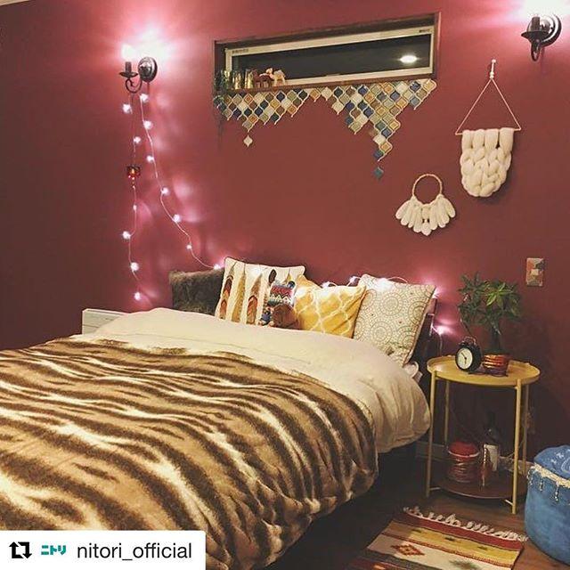 装飾用ランプでモダンできらびやかな寝室に