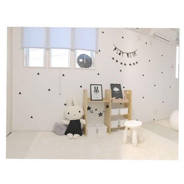 ステッカーで可愛く仕上げた6畳の子供部屋