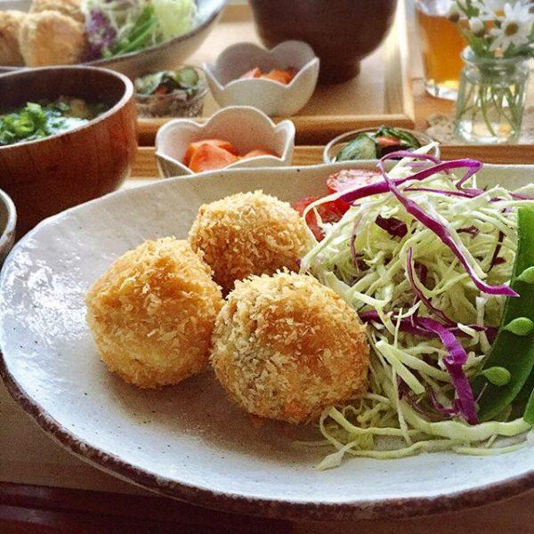 子供が食べやすくて人気な主菜「ひとくちコロッケ」