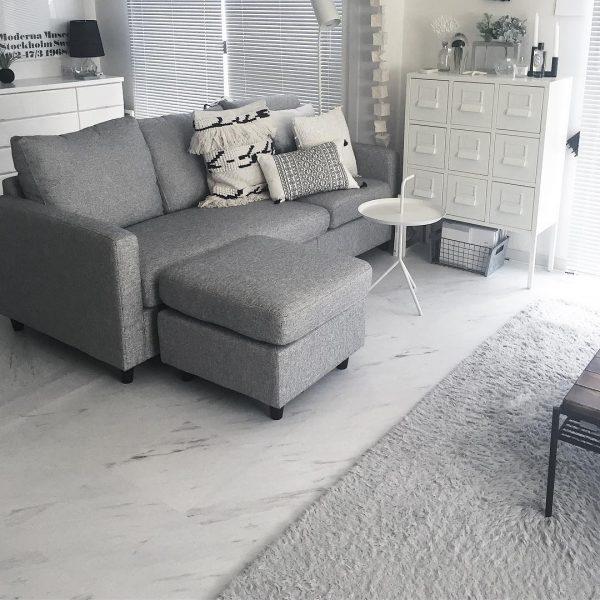 ソファと家具を一角に集めるアイデア