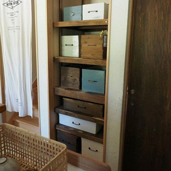 りんご箱風の箱を使った人気の収納