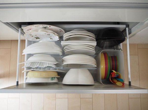 100均のダイソーボックスで子供の食器収納