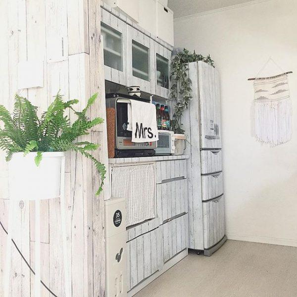 冷蔵庫と同じ並びに置くレイアウト