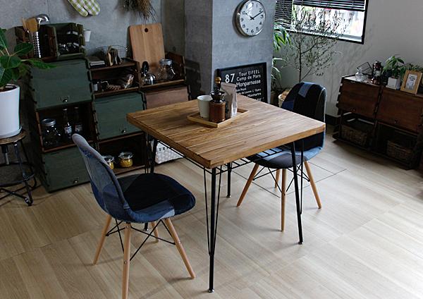 テーブル下の収納アイデア3