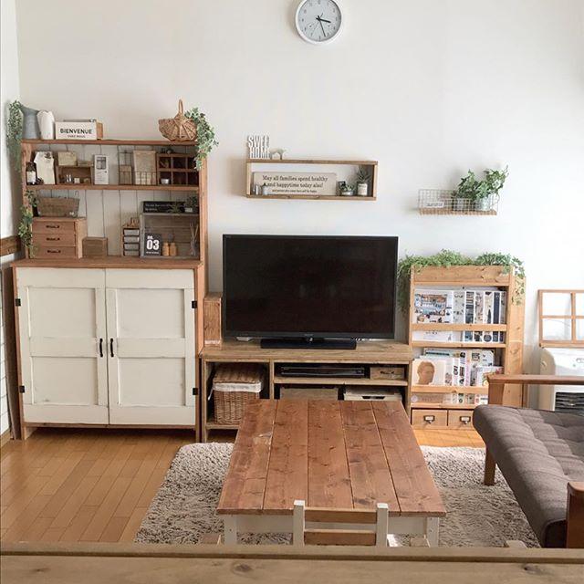 家具を壁にまとめるテレビの配置実例