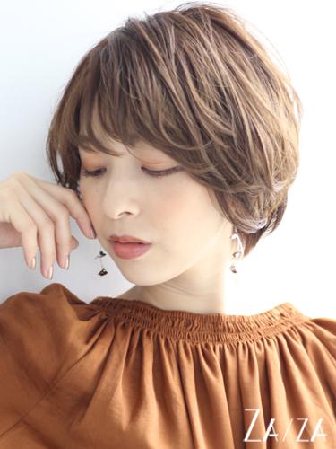 透明感のある明るめな髪色「ブラウンベージュ」