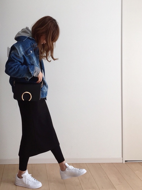 GUパーカー×タイトスカート