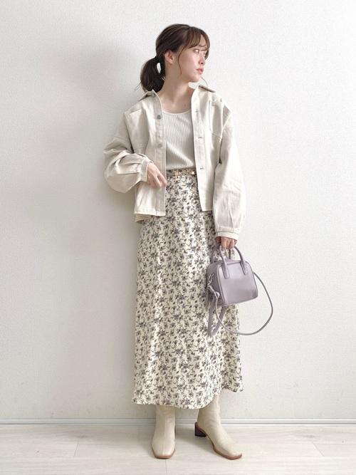 しまむら白小花柄スカート