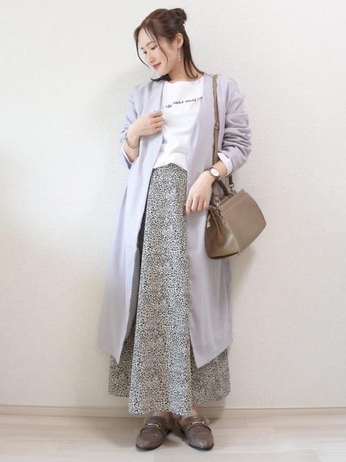 ブルーコート×花柄スカート