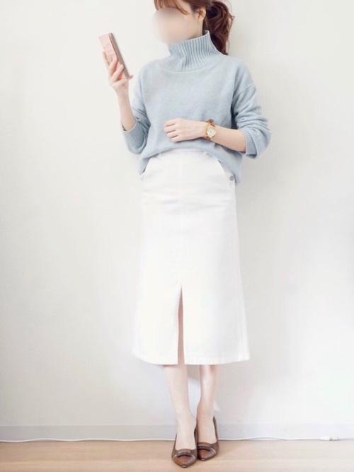 GU白スカート×水色ニット