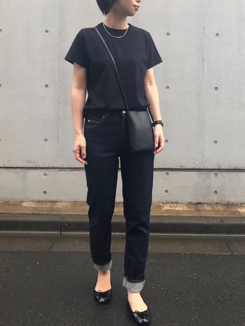 黒髪ショートに似合うファッション6
