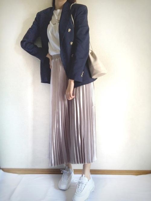 紺ジャケット×シャイニースカート