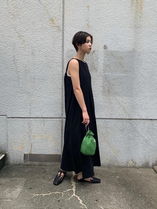 黒髪ショートに似合うファッション4