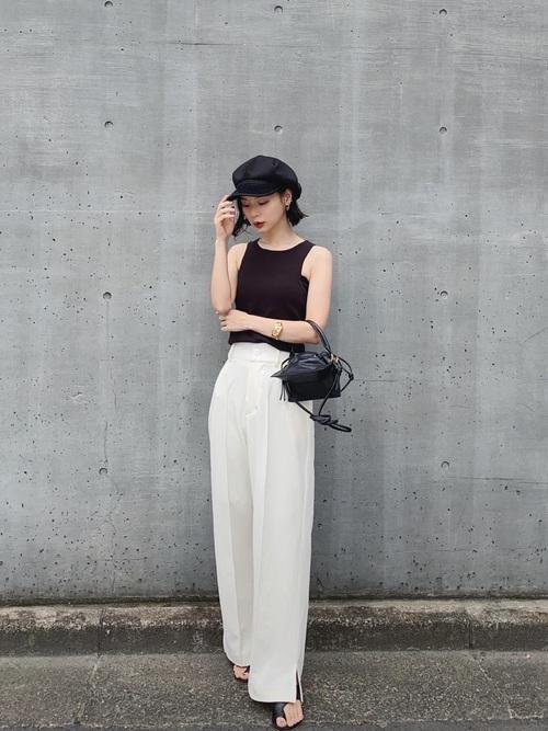 黒髪ショートに似合うファッション5