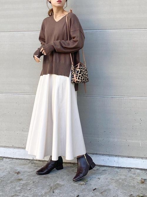 ZARAのレザーフレアスカート