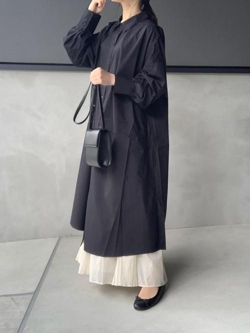 GU黒シャツワンピ×スカート