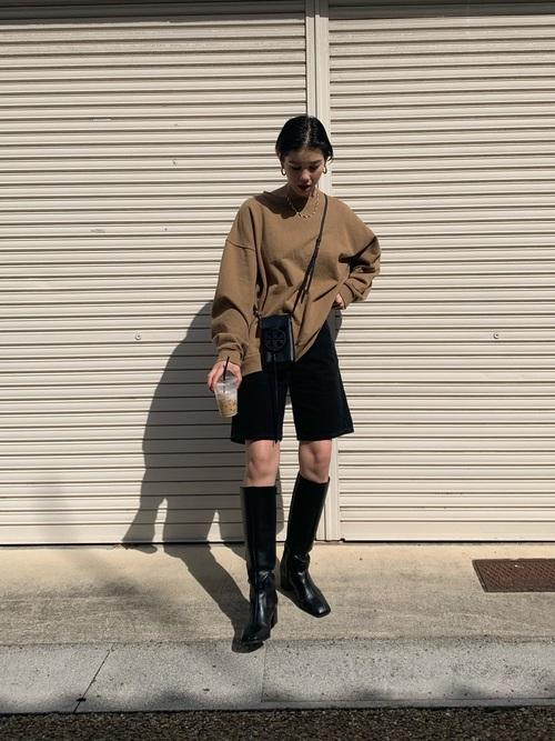 黒髪ショート×ハーフパンツ