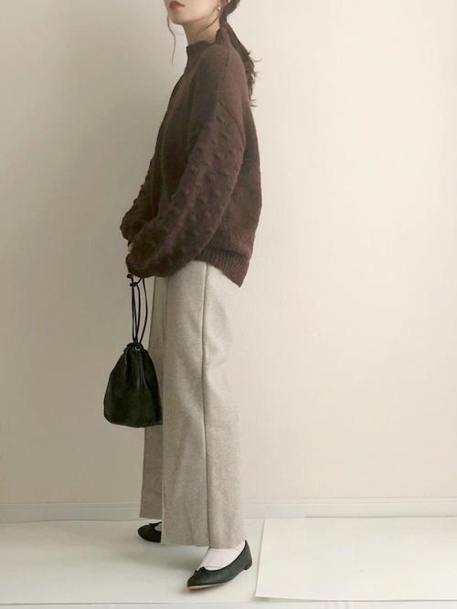 白靴下×フラットシューズの冬コーデ