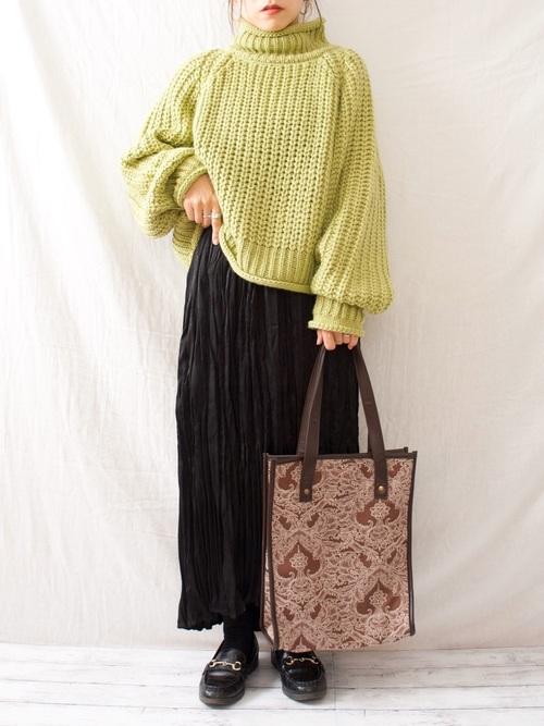しまむらのグリーンセーター×キャミワンピース