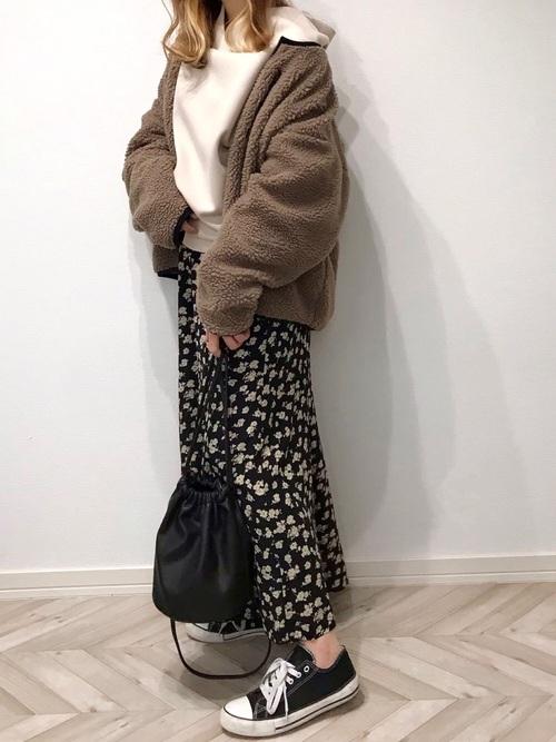 しまむらの花柄スカート