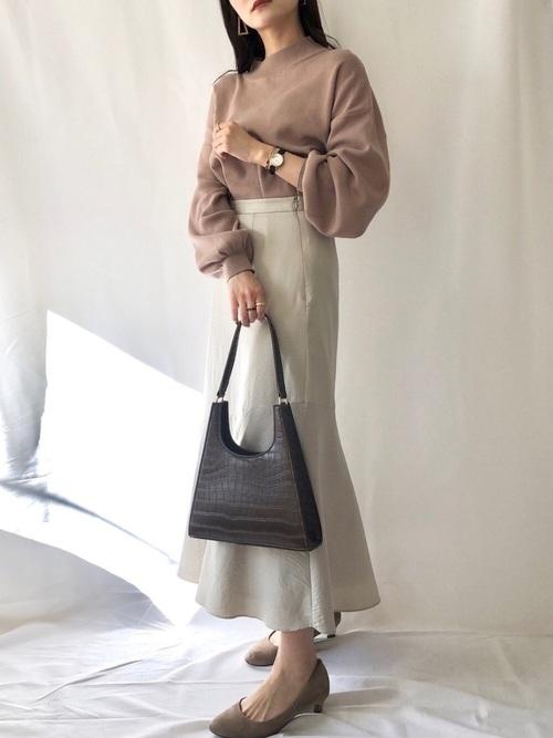 茶色ニット×マーメイドスカート