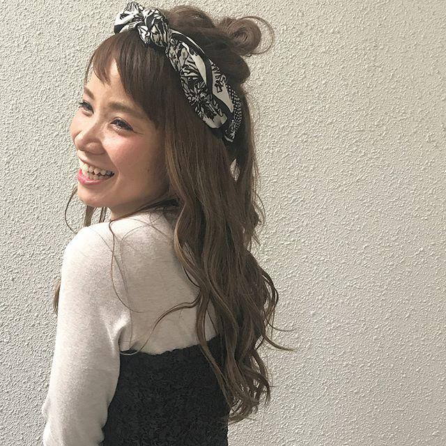 お団子×スカーフのヘアアクセ