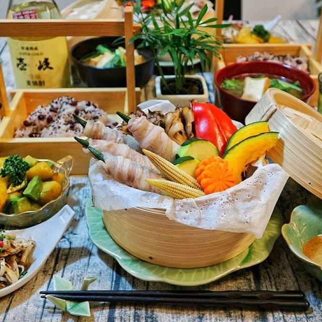 オクラの豚バラ巻きと彩り野菜のせいろ蒸し