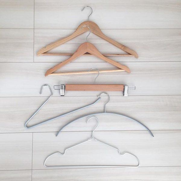スカートの素材でハンガーを変える収納