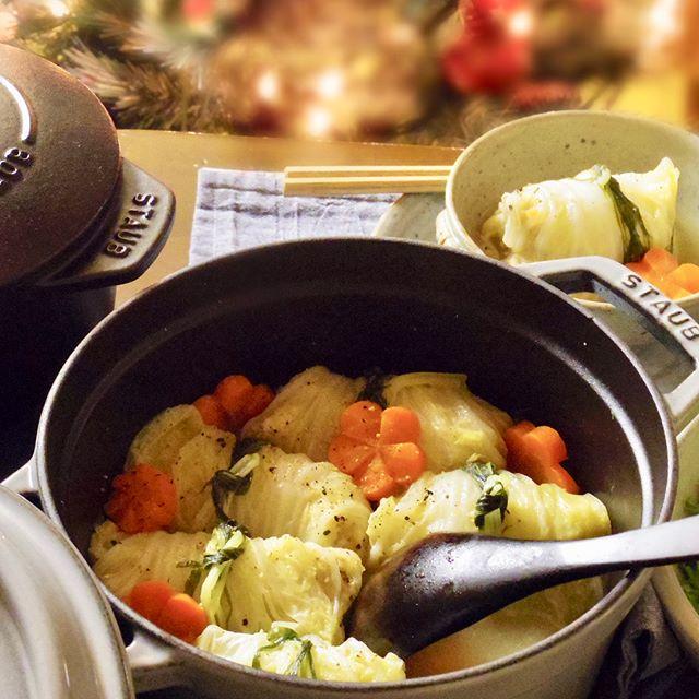白菜のビタミンで美肌♪ロール白菜鍋レシピ