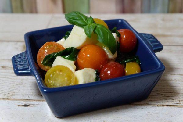 野菜とチーズが美味しいカプレーゼ