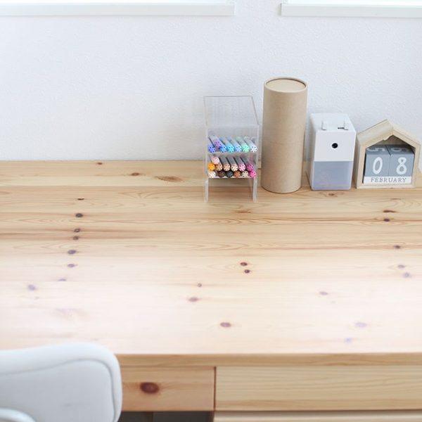勉強机は木目デザイン