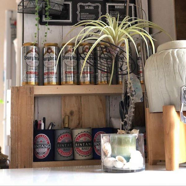 木製パレットをリメイクしたビール棚