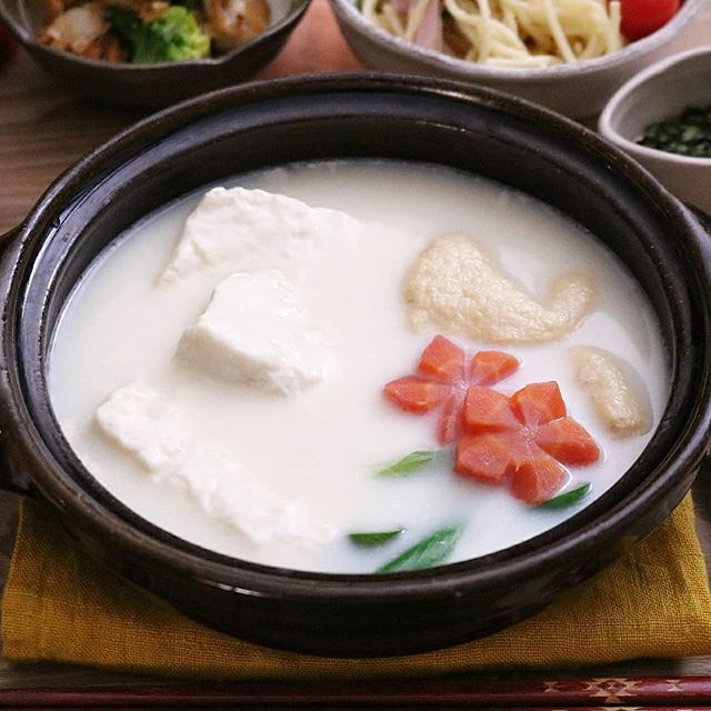 重曹で豆腐をとろけさせる湯豆腐