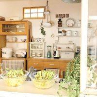 使いやすいキッチンは食器棚の配置も重要。理想的レイアウト実例をご紹介