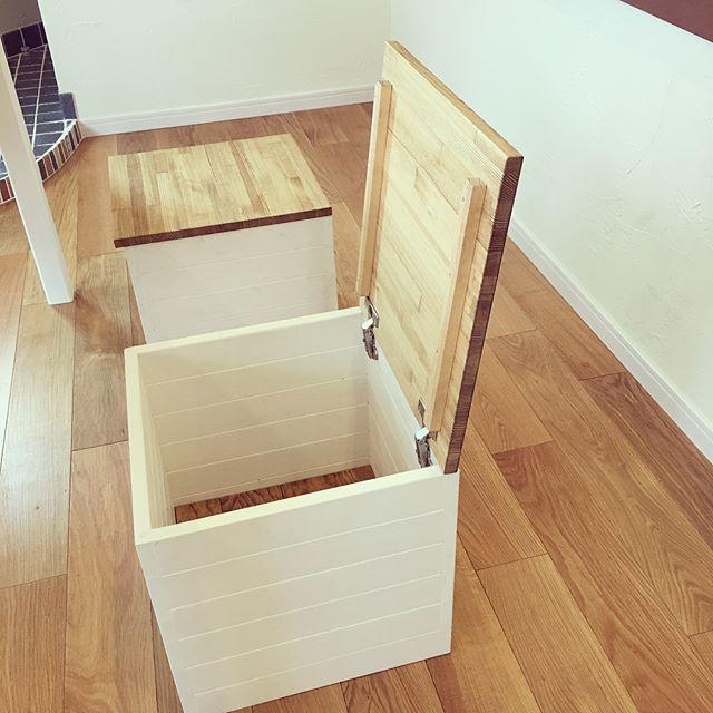 テーブル下の収納アイデア15