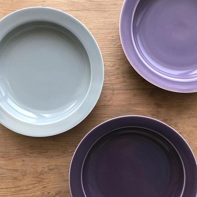 絶妙カラーでオシャレな食卓